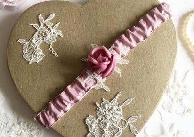 Woodrose Pink cabochon Rose Garter